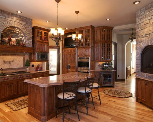 Mid Sized Rustic Kitchen Design Ideas Remodel Pictures Houzz