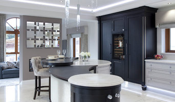 Luxury Painted and Ebony Kitchen