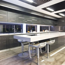 Contemporary  by Bayview Design Group Australia