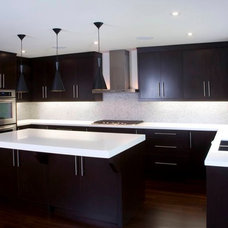Contemporary Kitchen by M-Squared Contracting Inc.