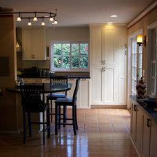 Traditional Kitchen by Designer Kitchens LA