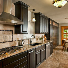 Contemporary Kitchen by Clear Choice Interior Design