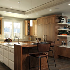 Modern Kitchen by Lobkovich Kitchen Designs, Inc.