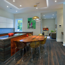 Contemporary Kitchen by Sisters in Sync Design