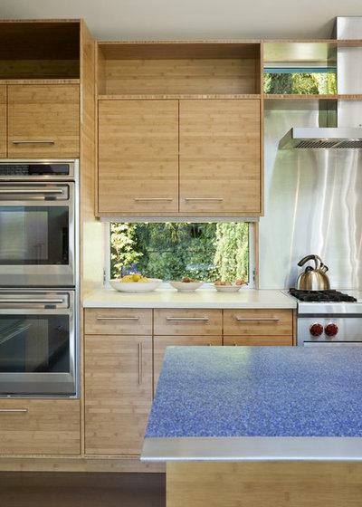 Contemporary Kitchen by Prentiss Balance Wickline Architects