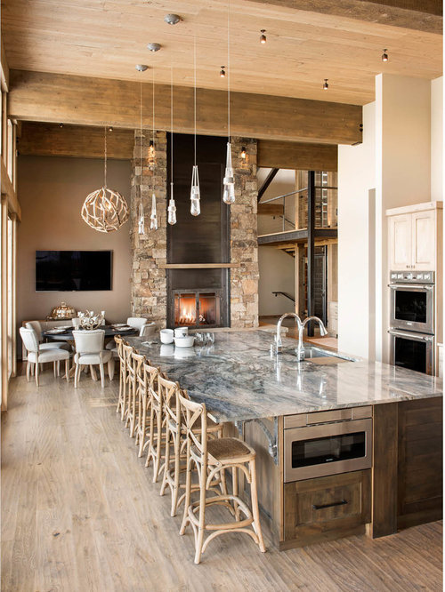 Large rustic eat-in kitchen appliance - Example of a large mountain style  single-