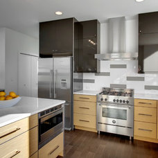 Contemporary Kitchen by Isola Homes
