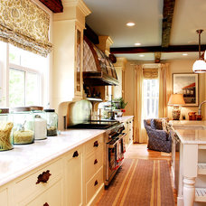Traditional Kitchen by Nicola's Home