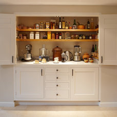 Traditional Kitchen by Figura Kitchens & Interiors