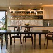 Transitional Kitchen by FINNE Architects