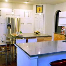 Modern Kitchen by Ariane B. Interiors