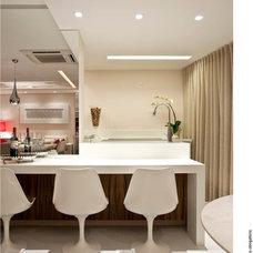 Contemporary Kitchen by Vanja Maia - Arquitetura e Design de Interiores