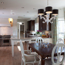 Traditional Kitchen by Distinctive Remodeling Solutions, Inc