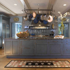 Traditional Kitchen by Meadowbank Designs