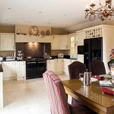 Traditional Kitchen by Divine Design