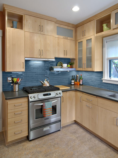 Blue backsplash home design ideas pictures remodel and decor for Kitchen cabinets houzz