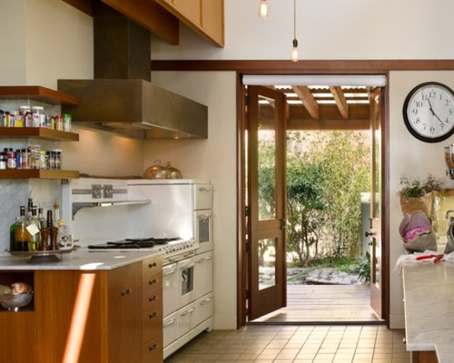 Example Of A Trendy Kitchen Design In Los Angeles