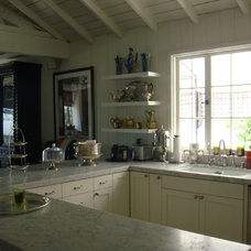 Eclectic Kitchen by rice paddies interiors