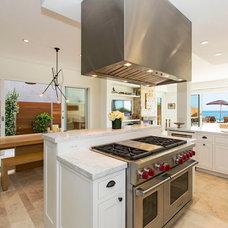 Beach Style Kitchen by Tobias Architecture