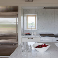 Transitional Kitchen by Stephen Graver Ltd