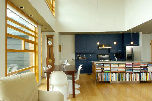 Modern Kitchen by Prentiss Balance Wickline Architects