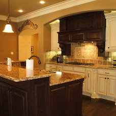Traditional Kitchen by Victor Myers Custom Homes & Real Estate