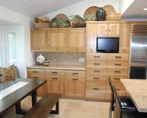 United States Kitchen Design Ideas, Remodels & Photos with a Single ...