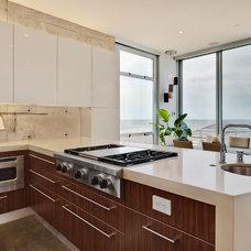 Modern Kitchen by Custom Design & Construction