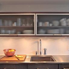 Modern Kitchen by 3F Living