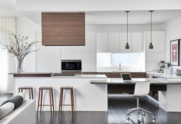 Modern Kitchen by Shirley Meisels