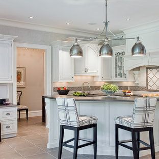Manor House doorstyle in white with Walnut Butler Pantry