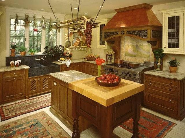 Traditional Kitchen by Canterbury Design Kitchen Interiors