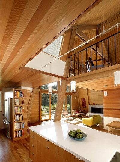 Modern Kitchen by Burton Architecture