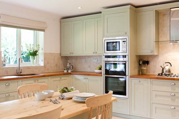 Traditional Kitchen by Maple & Gray