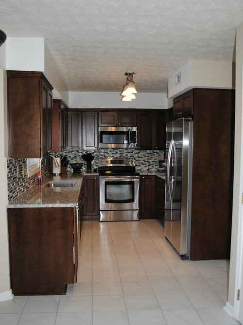 Modern Kitchen Remodel With Maple Briarwood Cabinets And