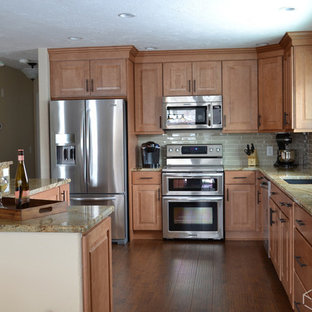 Stupendous Maple Kitchen Cabinets Houzz Home Interior And Landscaping Elinuenasavecom