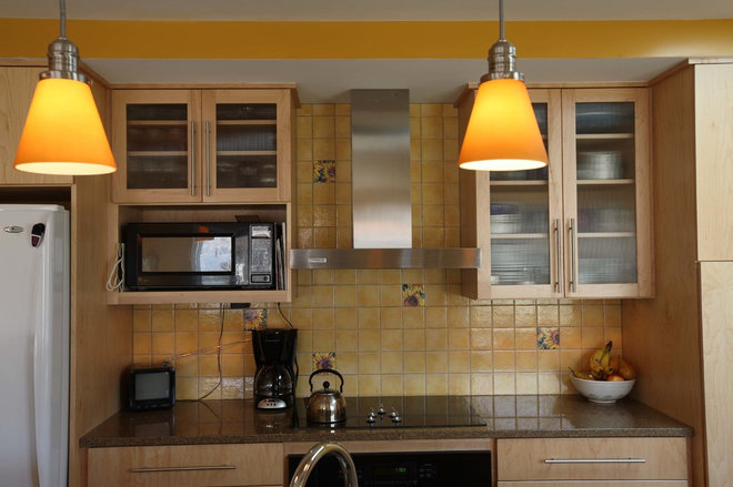 Contemporary Kitchen by Country Cabinets