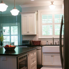 Traditional Kitchen Cabinets by Pinnacle Cabinets and Closets, LLC