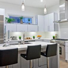 Modern Kitchen by American Coastal Properties