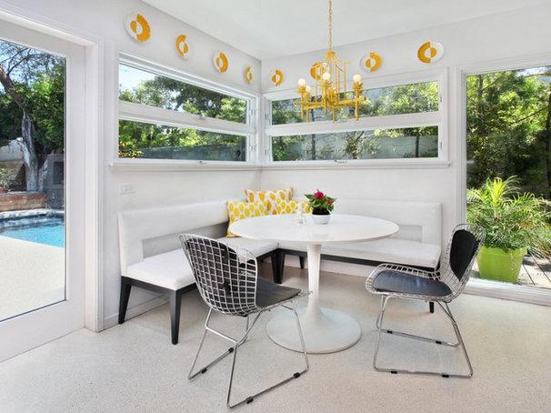 Contemporary Kitchen by Vanessa De Vargas