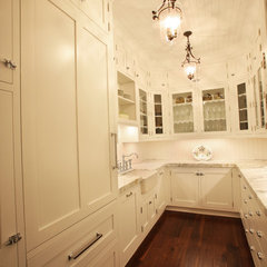 eclectic kitchen by Signature Design & Cabinetry LLC