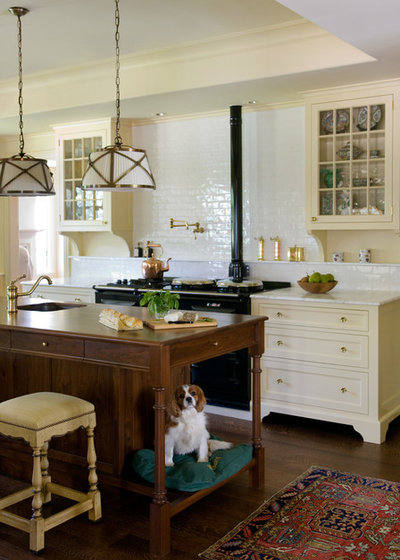 Victorian Kitchen by Carpenter & MacNeille