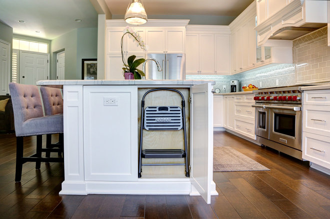Transitional Kitchen by Marcarelli Design Inc.