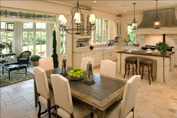 Rustic Kitchen by Avondale Custom Homes