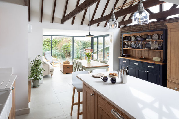 Country Kitchen by Jones Britain Kitchens