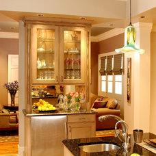 Modern Kitchen by Montgomery Roth Architecture & Interior Design