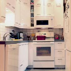 Modern Kitchen by Laura Garner