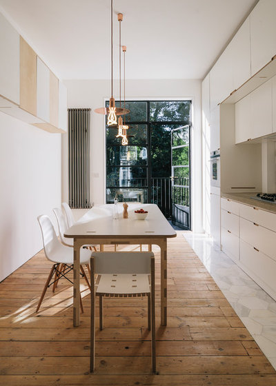Scandinavian Kitchen by Webb Yates Engineers