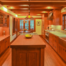 Craftsman Kitchen by SoYoung Mack Design, Assoc. AIA