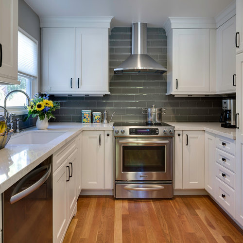 inspiration for a timeless ushaped enclosed kitchen remodel in san francisco with an undermount